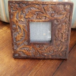 Wooden hand-carved picture frame 7 in square